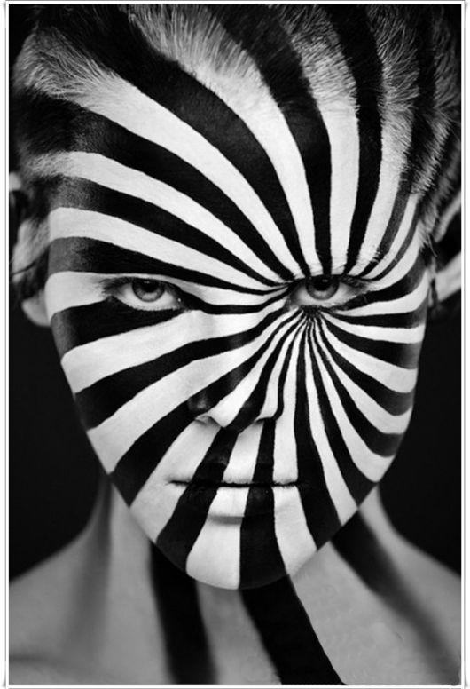 Amazing Black And White Face Art
