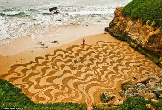 Beautifully Coloring The Sand