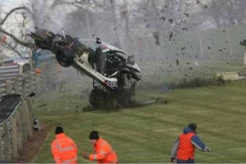 Incredible Crash in the British GT Oulton Park