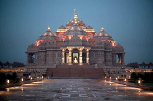 Extraordinary Akshardham Temple in New Delhi (India)