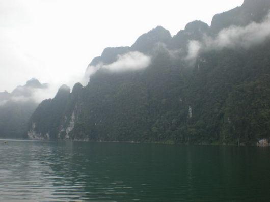Amazing Ratchaprapa Dam, Thailand