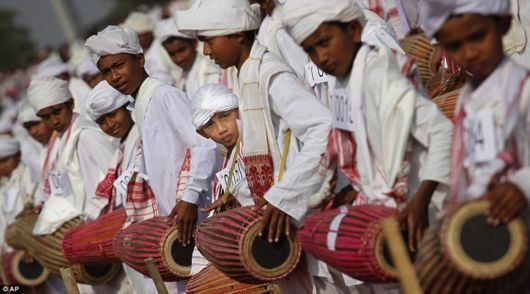 Amazing Khol Drum Players Set A Record