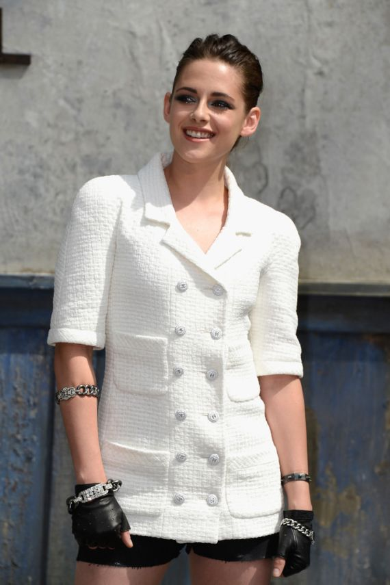 Kristen Stewart Attends Chanel Fahion Show In Paris