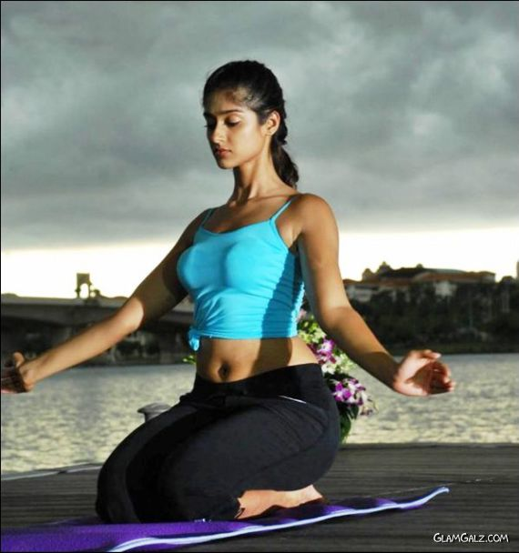 Learn Yoga with Ileana D'Cruz