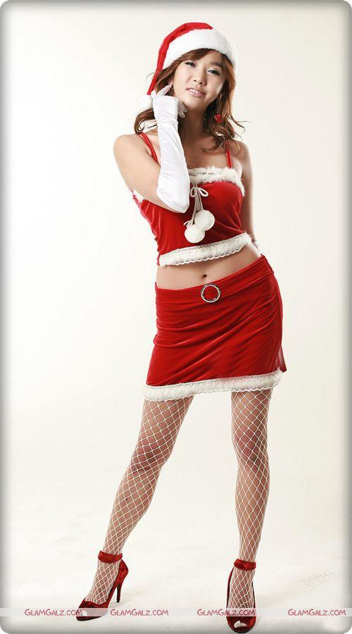 Very Pretty Santa Girl