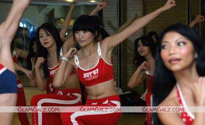 Cheerleaders for Beijing Olympics 2008