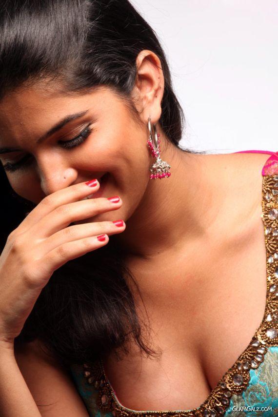 Deeksha Seth's Excellent Photo Stills