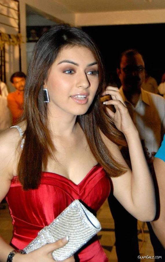 Sizzling Hansika in Red for Maska Release