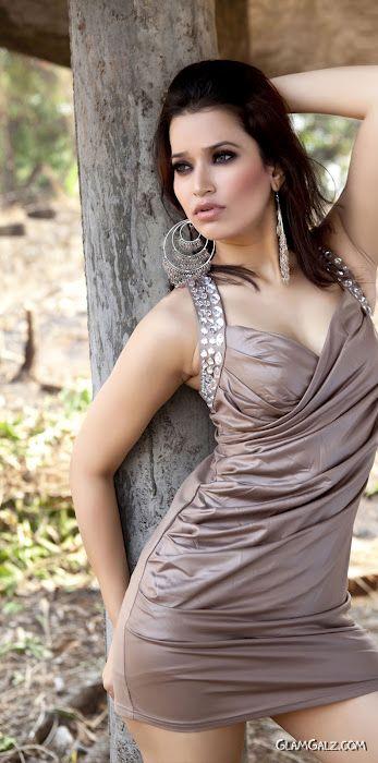 Jiya Chauhan Exclusive Photo Gallery