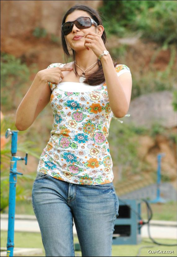 Pretty Tamil Beauty Kajal Agarwal
