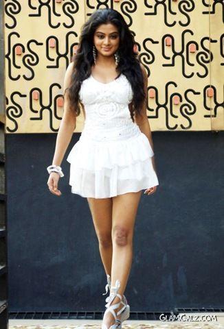 Gorgeous Indian Actress Priyamani