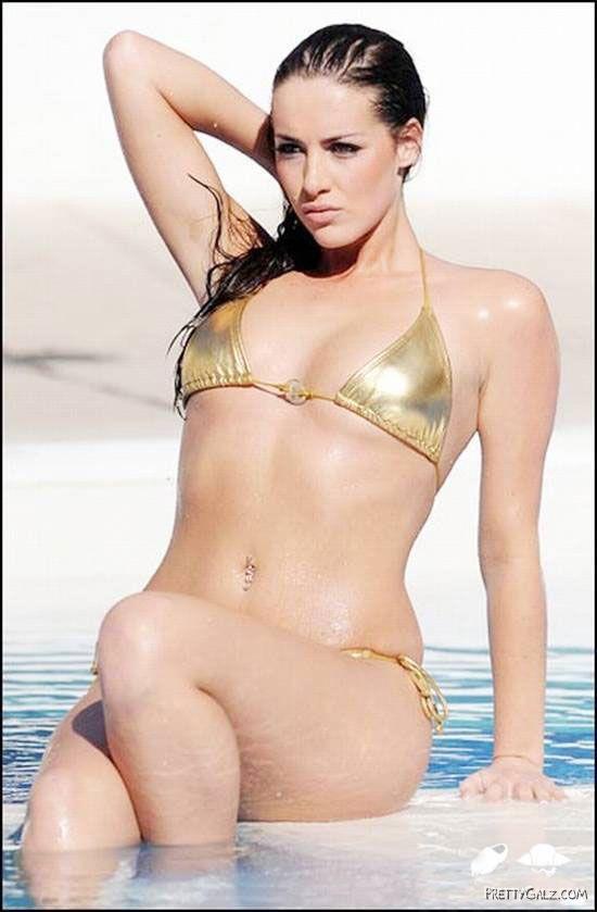 Spicy Katie Green Bikini Candids