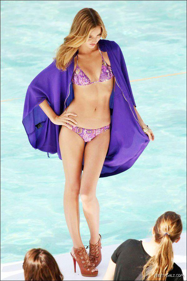 Miranda Kerr Bikini Photoshoot in Sydney