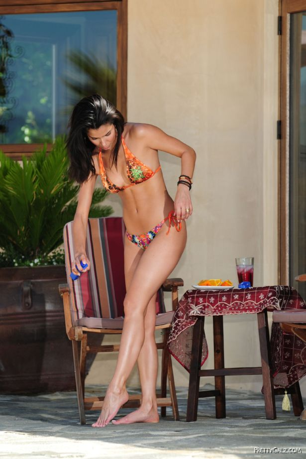 Roselyn Sanchez Lovely Bikini Photoshoot