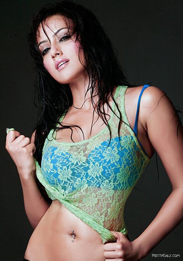 South Indian Actress Sana Khan