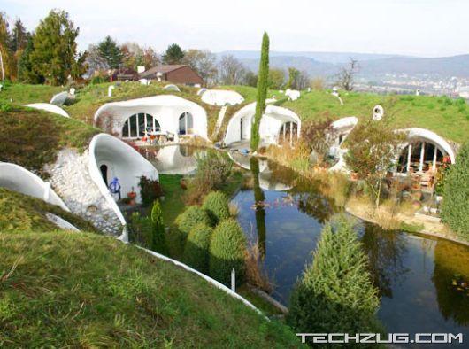 Top 10 Coolest Underground Houses